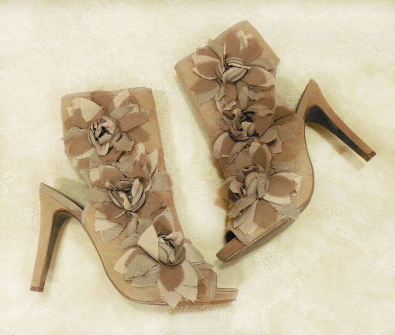 Report - Open Toe Leather/Suede Ankle Flower Boot Taupe - Sz 8.5 NIB