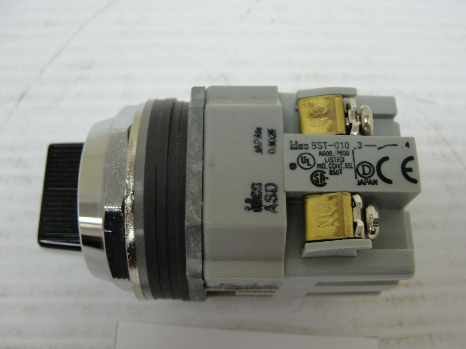 IDEC ASW2L20 Selector Switch 22mm 2 Position Maintained Lever,2NO contact