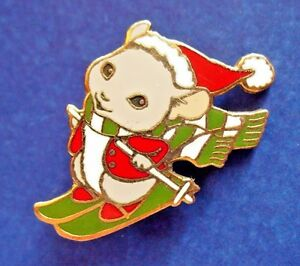 Hallmark-PIN-Christmas-Vintage-MOUSE-SKIING-SANTA-HAT-SKIS-Enamel-Holiday-Brooch
