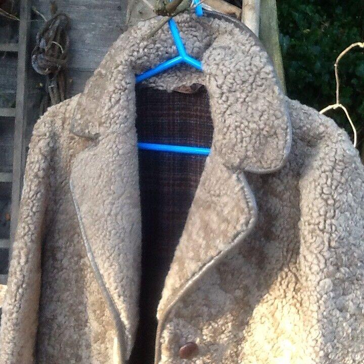 LADIES REAL SHEEPSKIN COAT REAL SHEEPSKIN COAT MEDIUM INSIDEOUTTEDDYBEAR ,