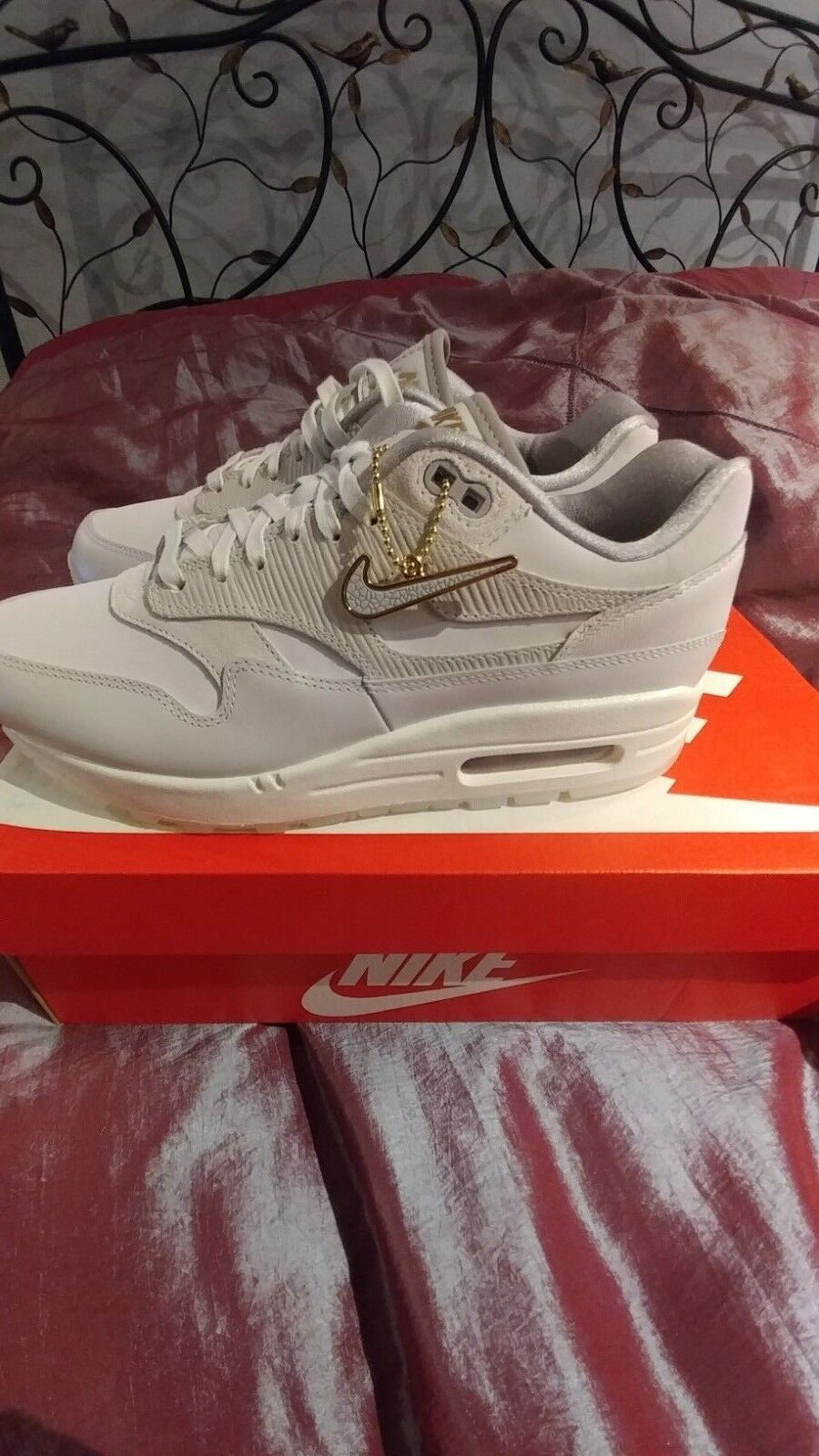 Nike Air Air Air Max 1 Premium Women Leather Sneakers Original  130.00 size 7.5 654800