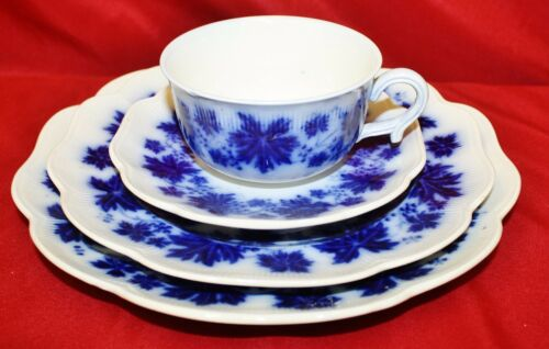 Gelfe Vinranka Grape Leaves Flow Blue 30 Piece Dinnerware Set