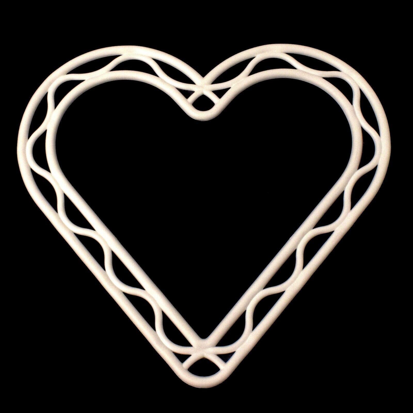 8 pulgadas blanco de plástico marco de corona en forma de Corazón Decoración Floristry Bodas