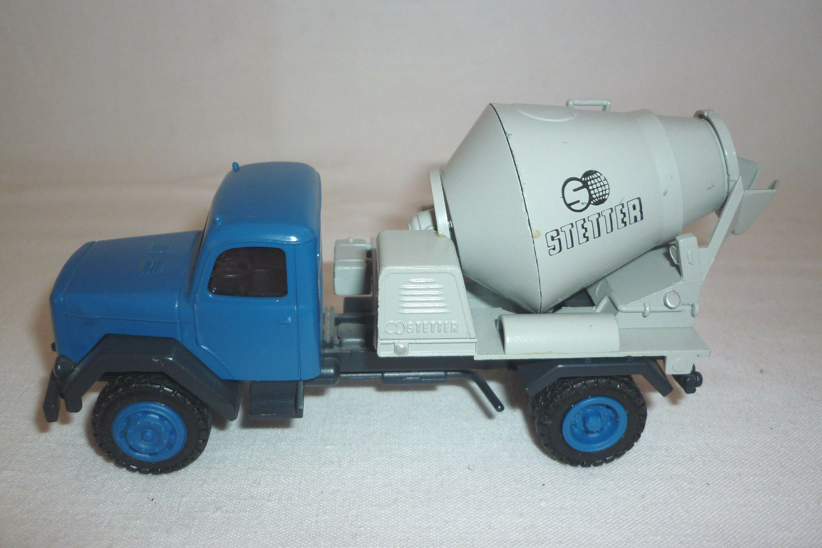 Conrad-Metal model-Firm-Vintage-Concrete Mixer - 1 43 - (7.bm-168)   80% de réduction