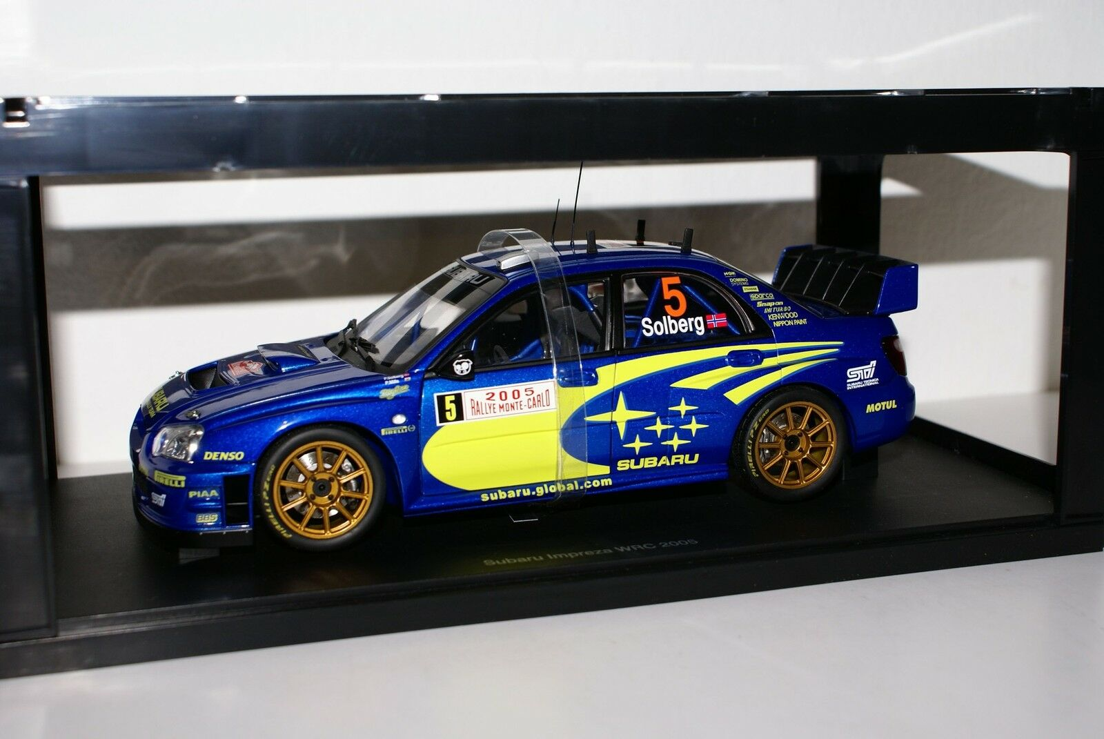 AUTO ART 1 18 - Subaru Impreza WRC-Monte Carlo 2005