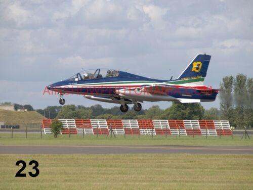 1 X AERMACCHI MB-339 FREECE DE TRICOLORI PHOTOGRAPH 2