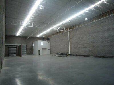 Bodegas (676.7 m2 // 7,284 ft2) ** Complejo Industrial Chih **