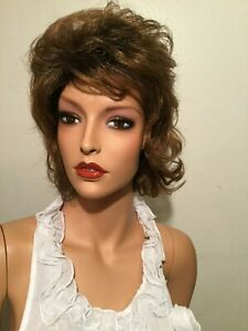 Nwt Soul Tress Collection Short Curly Layered Cut Wig