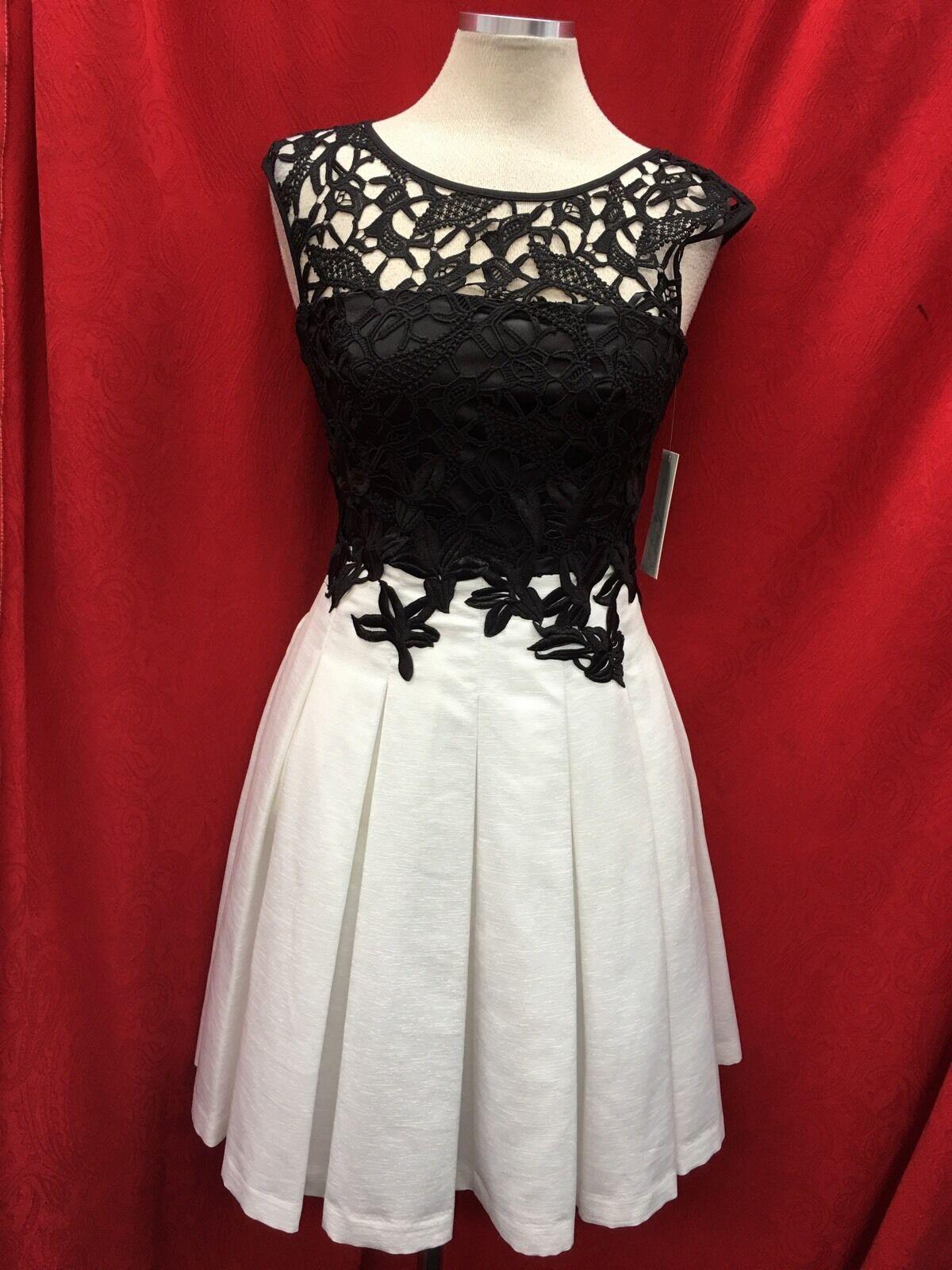 Elizea J Kleid Größe 10  Einzelhandel mit Etikett Schwarz Elfenbein