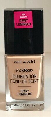 NEW! Photo Focus Dewy Foundation Wet n wild - The Beauty Store
