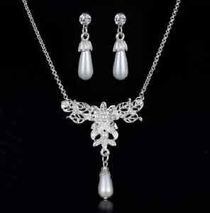 Perlen-Schmuck-Set-Hochzeitsschmuck-Set-Kette-und-Ohrringe-mit-Strass-Brautsch