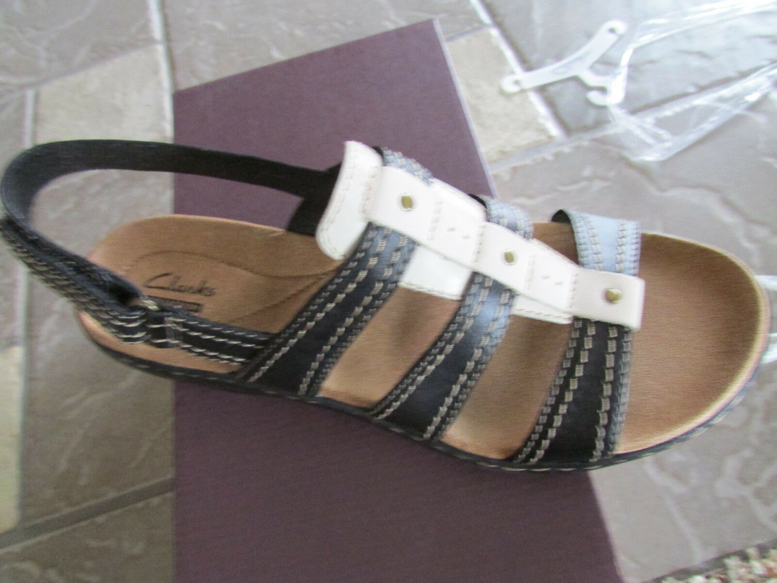 NEW CLARKS LEISA LEISA LEISA DAISY BLACK STRAPPY SANDALS WOMENS 7.5 STYLE  05192 FREE SHIP e2be9a