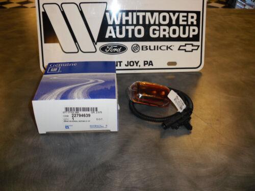 Genuine GM Rear Marker Lamp Amber 22794639 84402693 2015-2017 Silverado Sierra