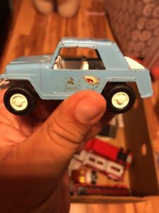 Vintage 1970 Tootsie Toy Jeepster In Blue Made In The Usa Tootsietoy