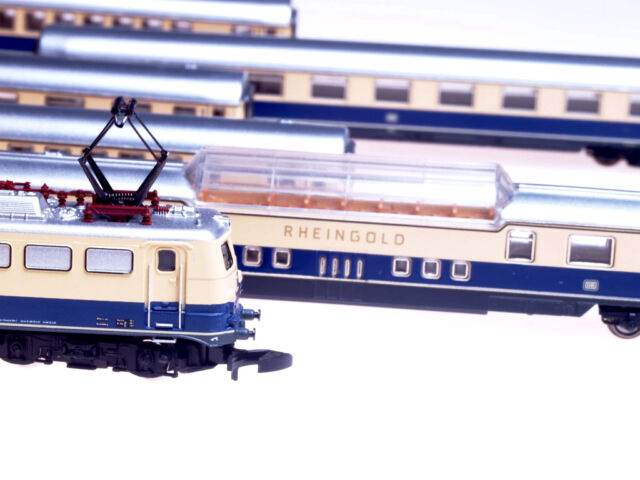 81412 Marklin Z-scale Train Set Rheingold with E10 locomotive & 5 passenger cars