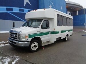 2009 Ford Econoline Commercial Cutaway E-450 DIESEL***DIESEL***PASSENGER ***READY TO MAKE MONEY***