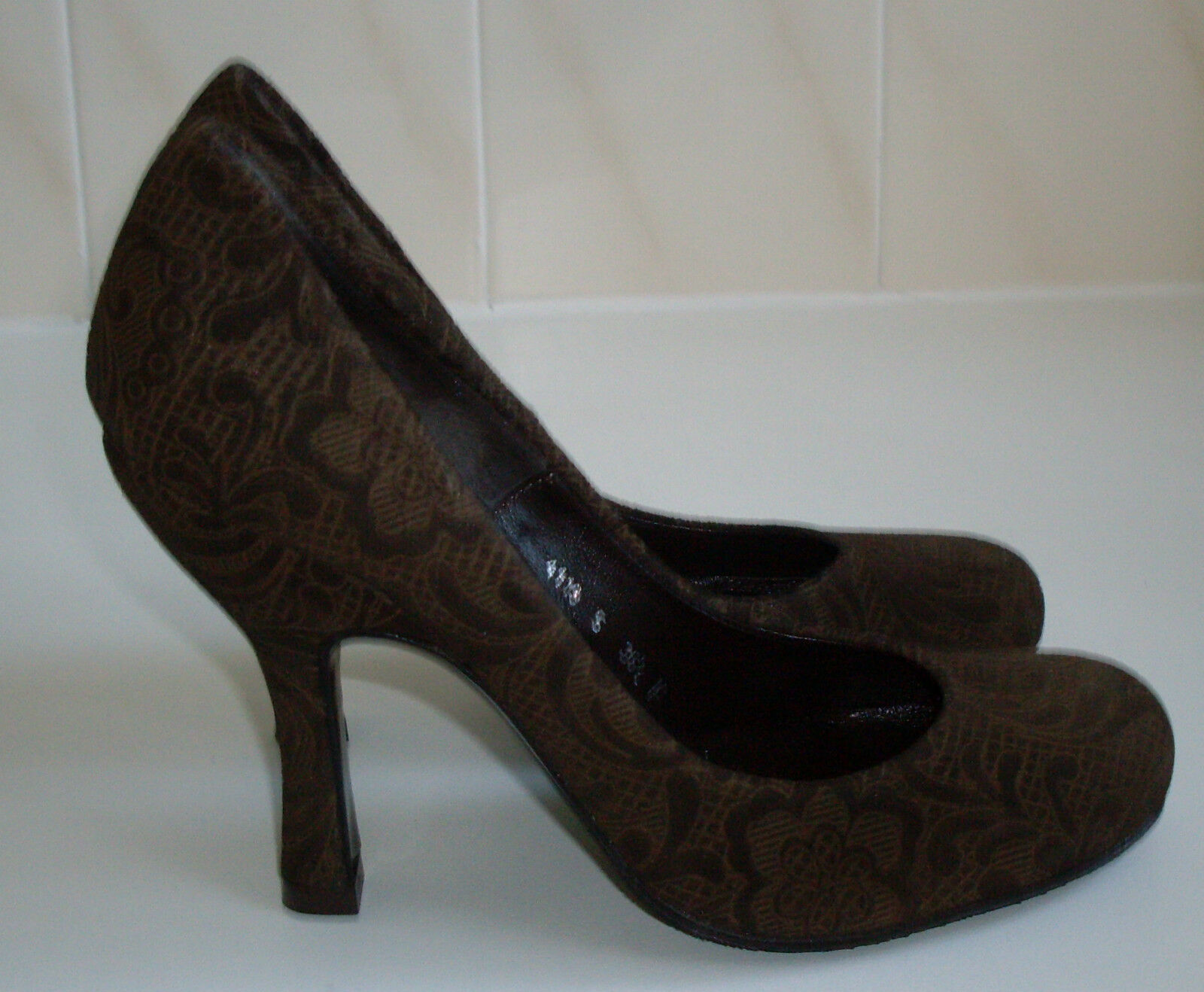 REBECA SANVER Brown Court shoes Size US 5.5 RRP