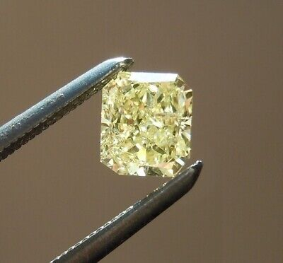 4 X 4  MM 0.30 Carat Off White Square Radiant Cut Loose Moissanite For Ring