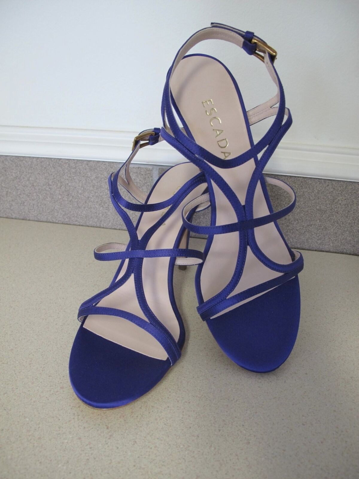 Women's ESCADA Sandals Shoes Deep Purple Satin Strappy sz sz Strappy 9.5 made Italy New Box 696c9f