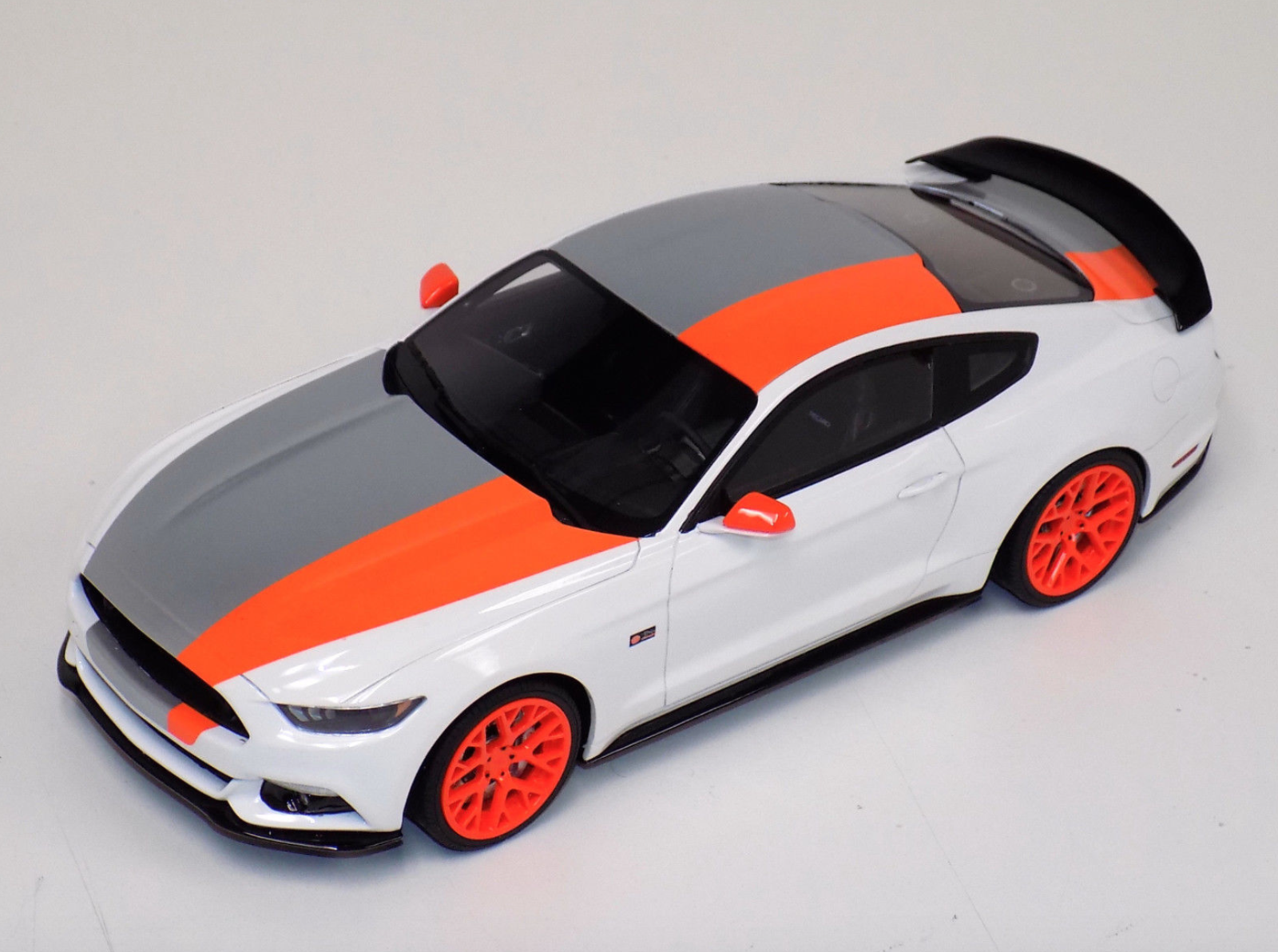 1/18 GT Spirit Ford Mustang by Bojix Design in White GT123