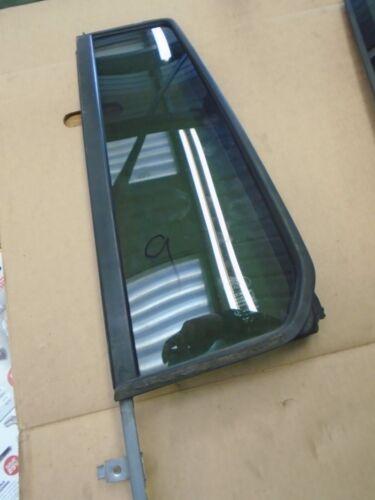 LANDROVER DISCOVERY 3 OR 4 LEFT REAR DOOR 1//4 LIGHT GLASS WINDOW DARK TINT 9