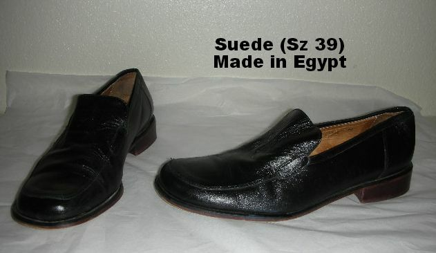 Sensational SUEDE Size 39 Black Leather Loafers Made in Egypt