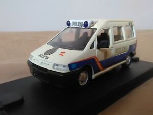 Antigua-miniatura-1-43-Scale-Carr-PR044-Peugeot-Expert-de-2000-Policia-Nacional