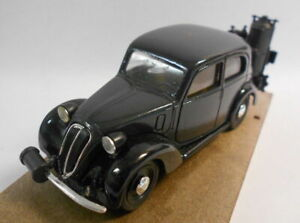 Brumm-1-43-scala-del-modello-in-metallo-R33-FIAT-BERLINA-1100-508-C-HP32-1937-39