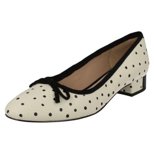 Ladies Clarks Low Heel Slip On Shoes Eliberry Isla