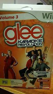 GLEE-VOLUME-3-Karaoke-Revolution-with-Microphone-BRAND-NEW-NINTENDO-WII