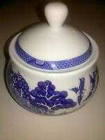 Cuthbertson Royal Blue Willow Sugar Bowl and Lid ~ MINT!