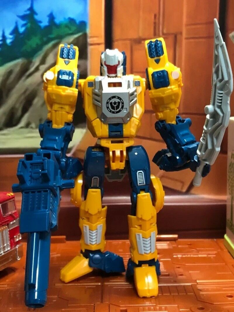 Transformers Headmaster Wei Jiang Action Figure Weirdwolf Christmas Gift Toys