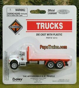 Die-Cast-International-4900-Flatbed-by-Boley-HO-1-87-by-Boley