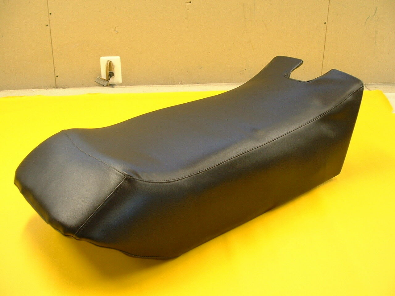 80-84 YAMAHA SS 440   80-82 SRV SNOWMOBILE SEAT COVER