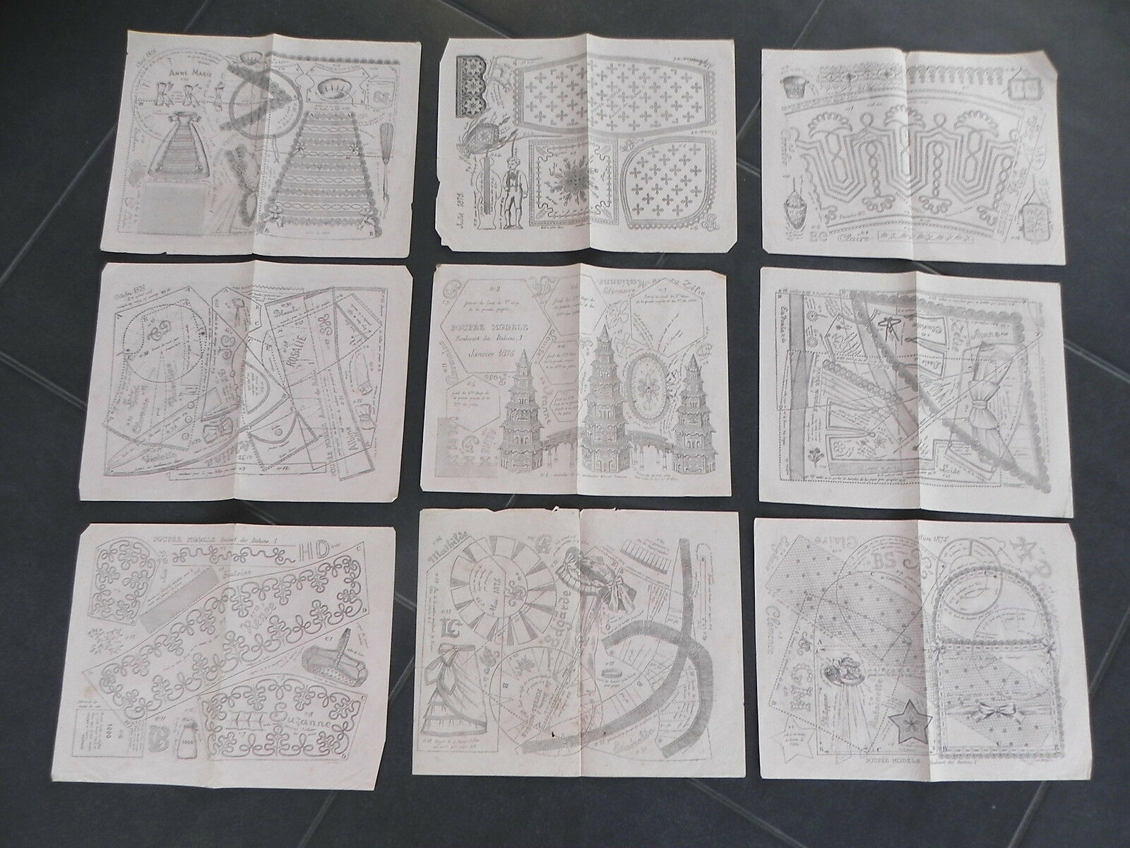 POUPEE MODELE 1875 lot de 9 planches patrons mignonettes trousseau accessoires