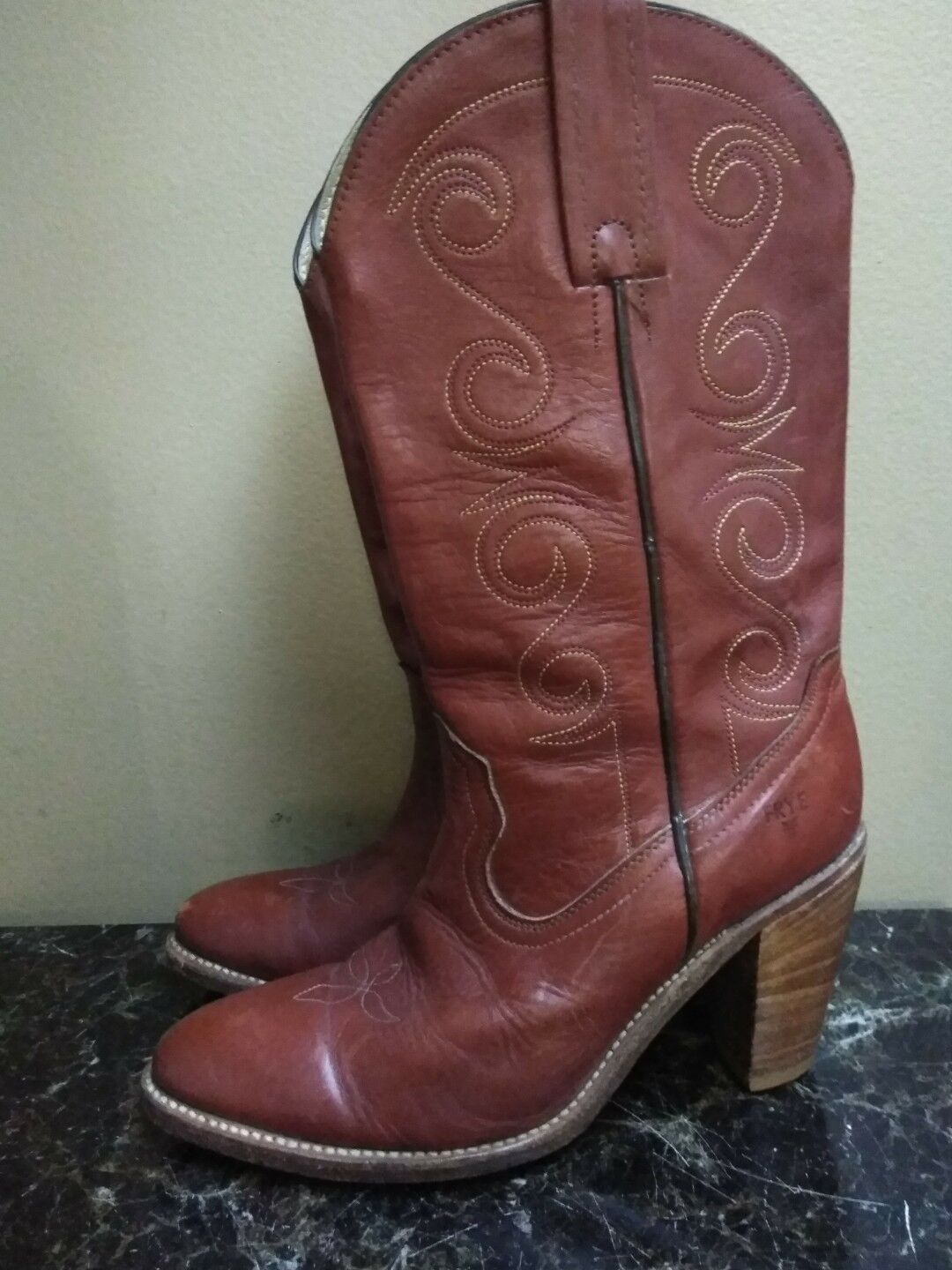 Frye Cowboy Boots Pull Up Cowgirl Womens Size 9.5 AA
