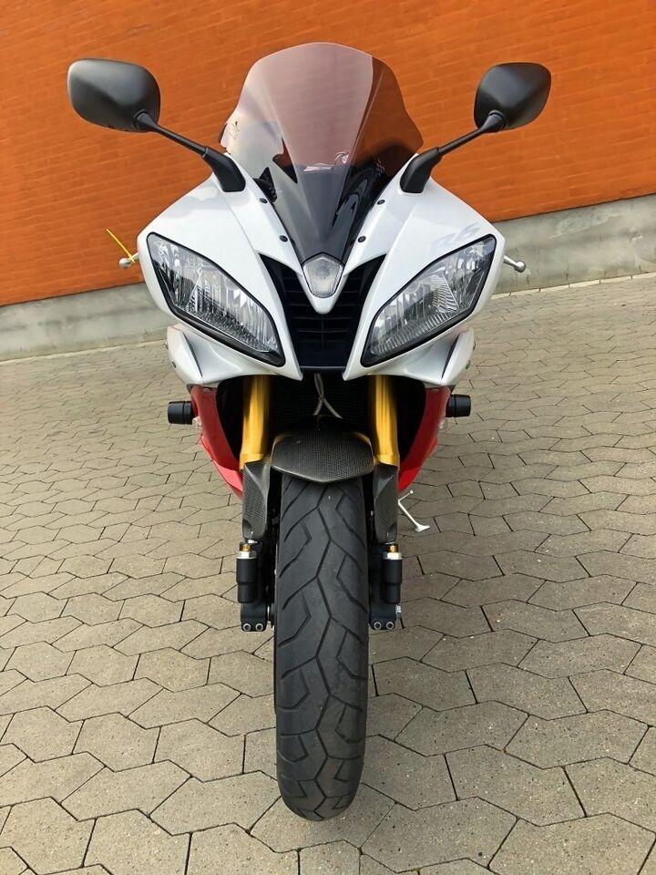 Yamaha, Yamaha YZF-R6, ccm 600