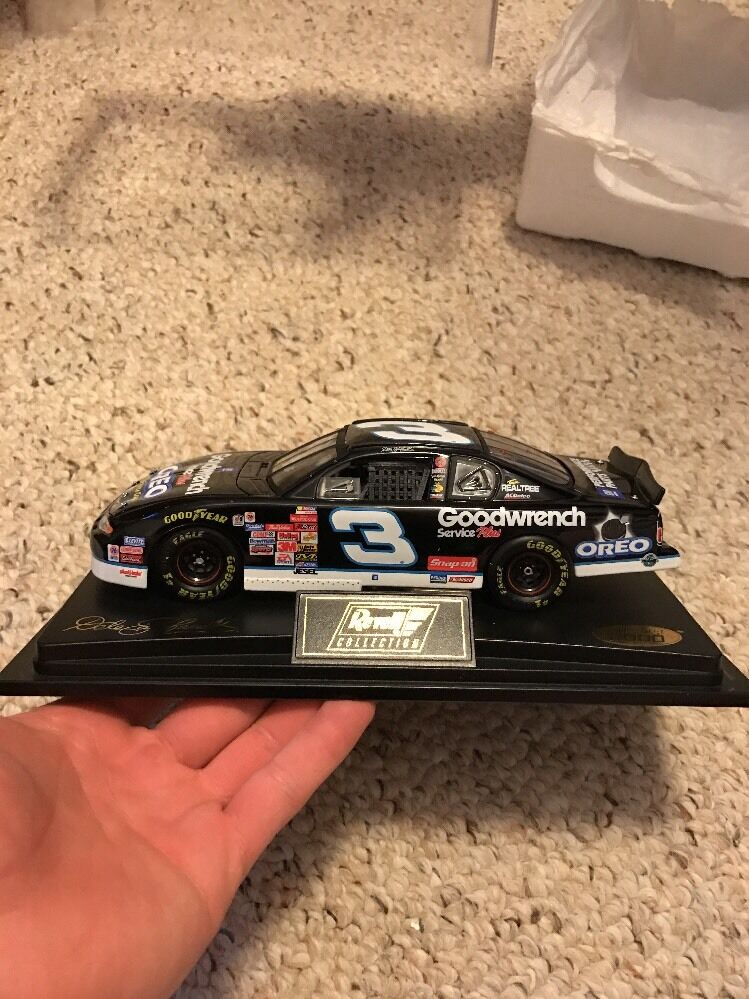 New 2001 Revell Oreo/GM Goodwrench Chevrolet Dale Dale Dale Earnhardt  3 925f31
