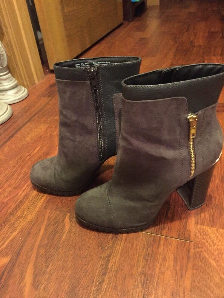 Juicy Couture Livia Größe 8.5 Ankle Stiefel Booties Zip Up Charcoal Heel