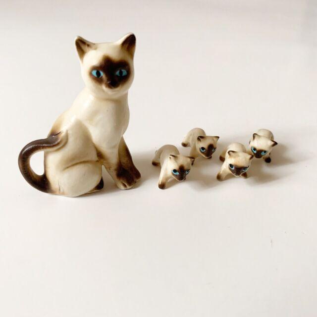 Hagen Renaker Miniature Siamese Cats - 1 Cat And 4 Kittens Figurines