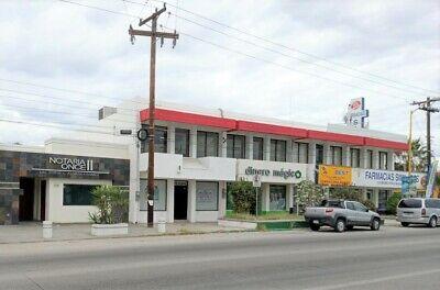 Local para oficina o comercio en avenida principal