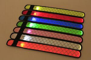 LED-Slap-Bracelet-Glowing-Light-Wrist-Band-Arms-Party-Night-Run-Gift-Kids-Child