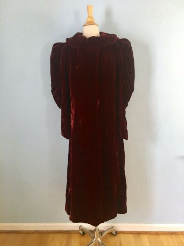 Vintage 1930s 40s Burgundy Red Velvet Coat