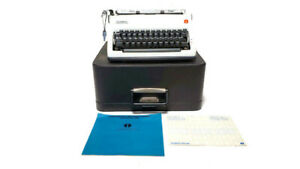Olympia SM9 Deluxe Manual Typewriter w/ Case/Key Excellent Condition! Ships FREE