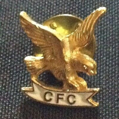CFC Combined Federal Campaign Gold tone Enamel Eagle Pin Pinback