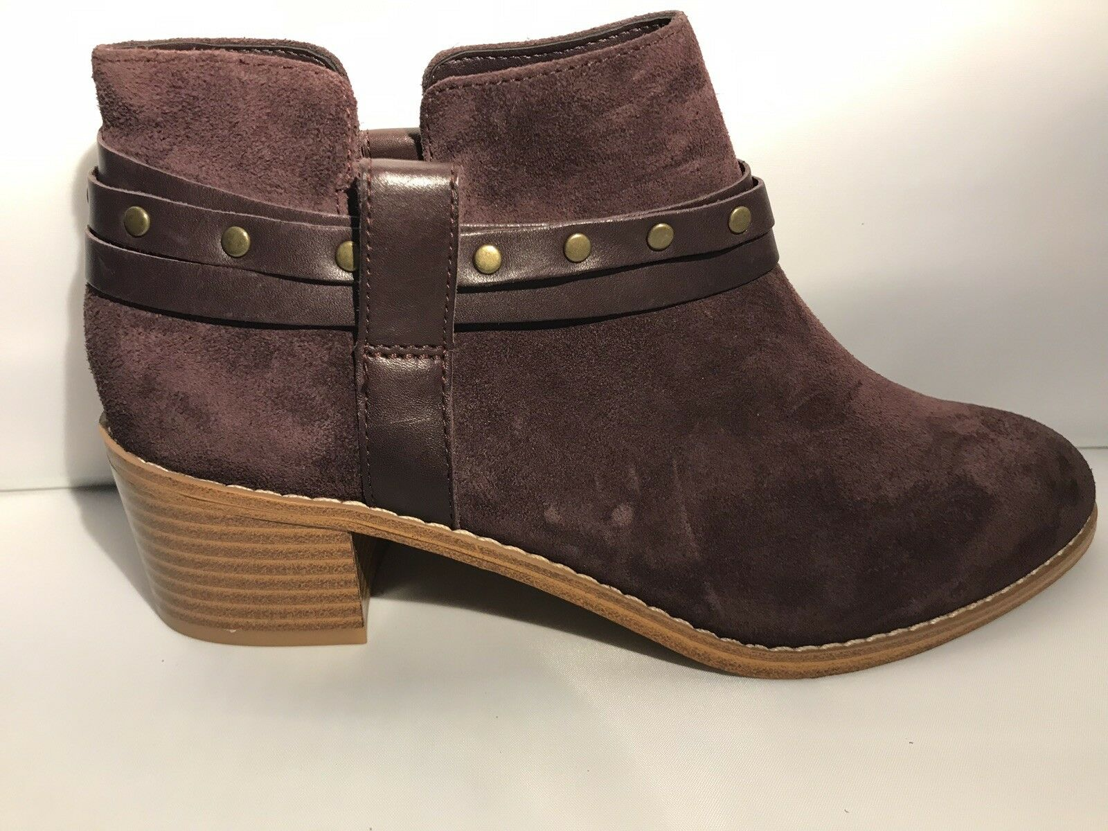 Clarks ' Breccan Shine' Aubergine Leather Ankle Ladies Boots, Size 4D