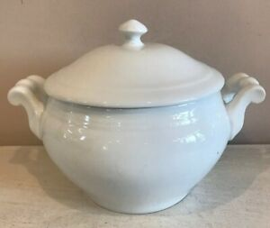 White Ceramic Soup Tureen Serving Bowl With Lid Handles
