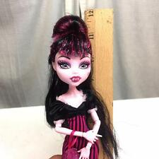 Monster High DRACULAURA SWEET 1600 Doll w/ Clawdeen Gift Dress Purse Shoes NICE!