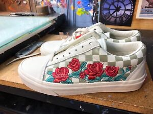 0dad3cf5678a61 Vans Old Skool DX (Rose Embroidery) Leather US 6 Men (7.5 Women ...