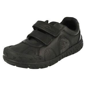 Garcons-Clarks-Bronto-Step-Cuir-Noir-Double-Bandouliere-Chaussures-D-039-ecole